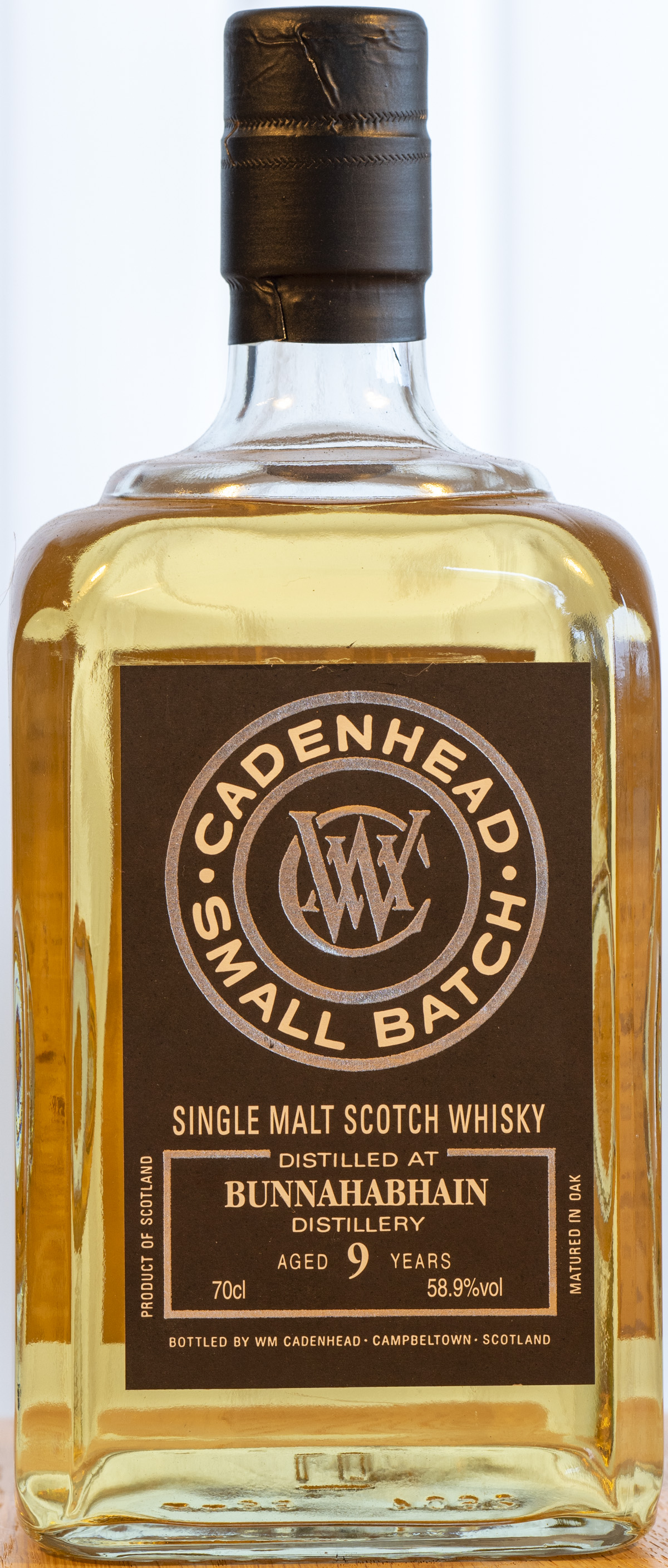 Billede: PHC_3939 - Cadenhead Small Batch Bunnahabhain 9y - bottle front.jpg
