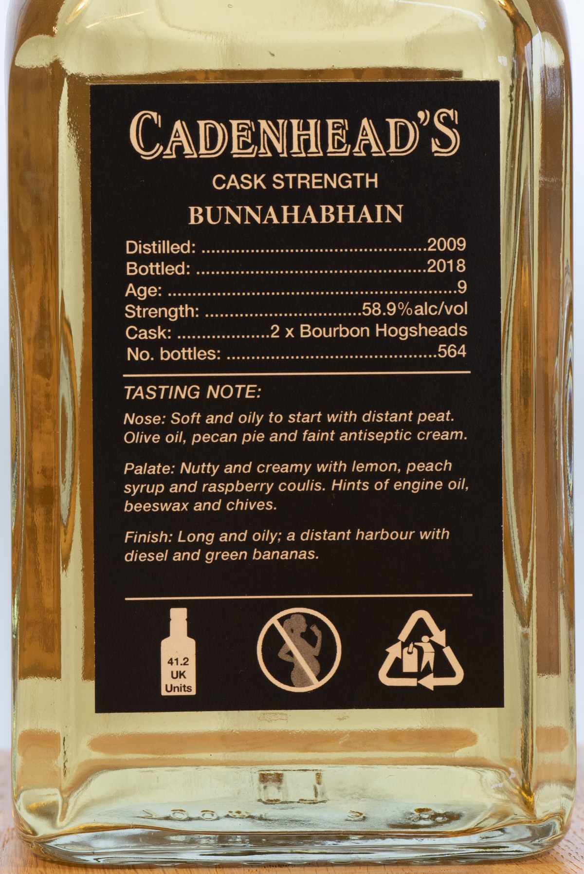 Billede: PHC_3940 - Cadenhead Small Batch Bunnahabhain 9y - bottle back.jpg